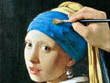 熟練の絵師が、青色の部分をラピスラズリで着彩して仕上げています。